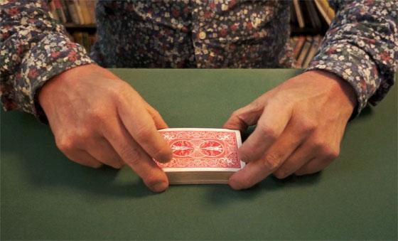 Table riffle shuffle 01