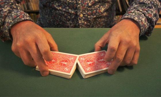 Table riffle shuffle 06