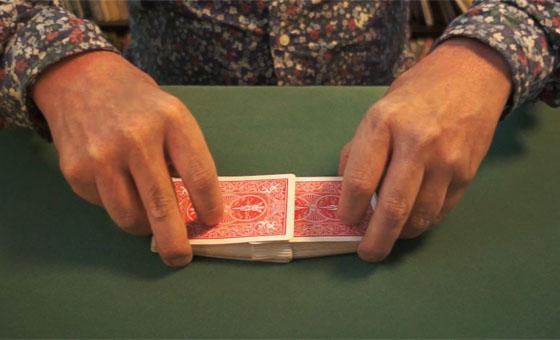 Table riffle shuffle 07